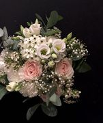 White and pink wedding bouquet 2