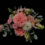 Pink weddingbouquet made of gardenroses