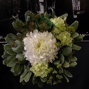 White and green seasonal bouquet-4