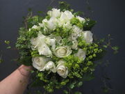 White and green seasonal bouquet-3