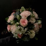 White and pink seasonal bouquet