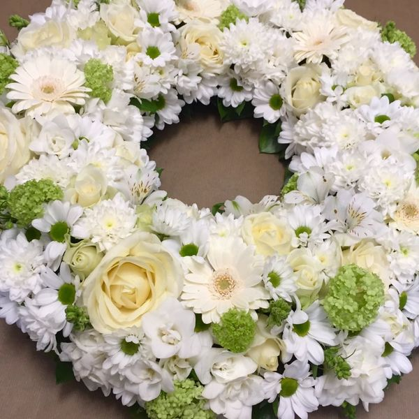 White and green wreath 2