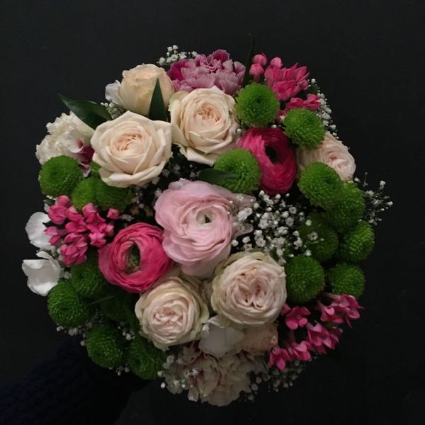 White, light pink and pink seasonalbouquet