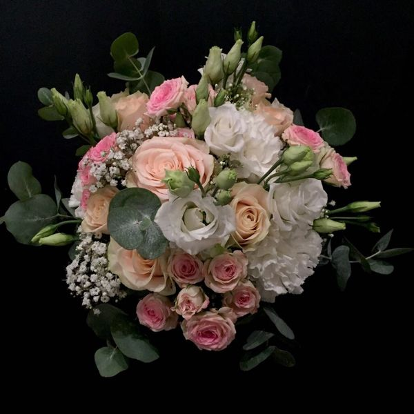 White and pink wedding bouquet 1
