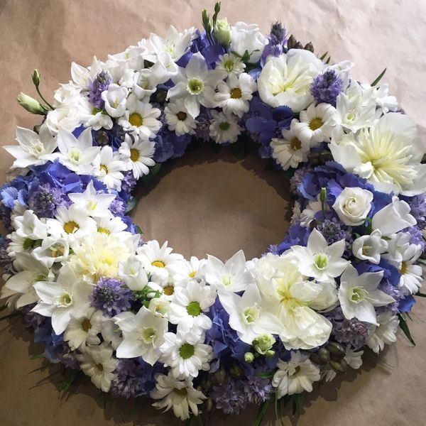 White and blue wreath 1